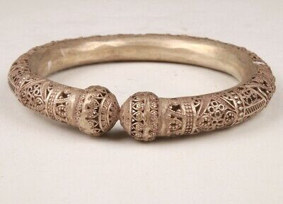 Chinese Tibetan Silver Hand Carving Buddhist Bracelet Spiritual Gift Collection