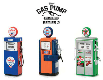 Greenlight Collectibles 14020-Case 1:18 Vintage Gas Pump Collection (Set of 12)