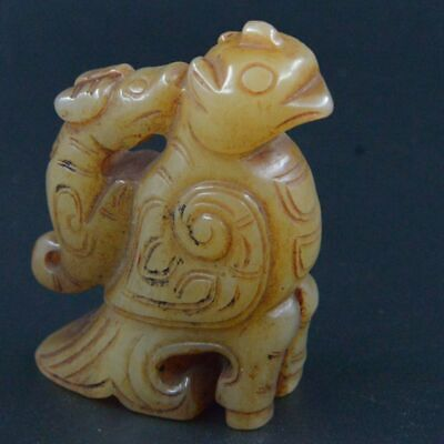 Ancient Hetian jade beast bird exquisite hand-carved