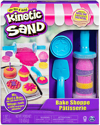 Kinetic Sand, Bake Shoppe Playset with 1lb of Kinetic Sand and 16 Tools and for