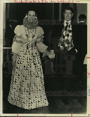 1970 PRESS PHOTO Wyatt Cooper and wife Gloria Vanderbilt in