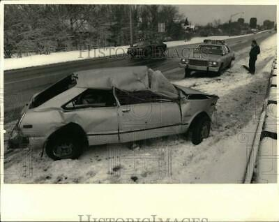 1987 PRESS PHOTO Automobile and Pedestrian Accident at Syracuse
