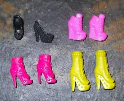 BARBIE DOLL SHOES k28 - 4 PAIRS of ASSORTED MODERN SHOES