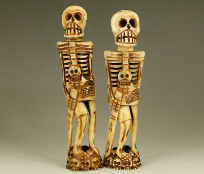 pair old hand carved skull soldier statue figure collectable netsuke table deco