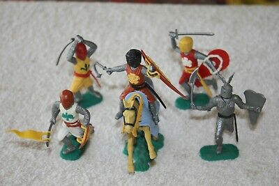 3 MEDIEVAL CASTLE Play Set Knights Horse Plastic VTG Toy Model Gray