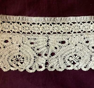 2 DIFFERENT TYPES BEAUTIFUL RARE 17th CENTURY BOBBIN LACE, ITALIAN GENOESE 146