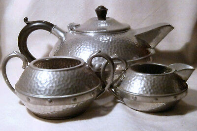 1930s Craftsman Pewter (Sheffield) (Viner's Ltd) Teapot, Milk Jug and Sugar Bowl