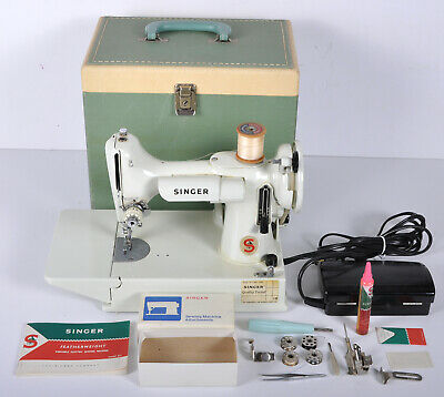 Vintage Singer White Featherweight 221K Sewing Machine w/ Carry Case Accessories