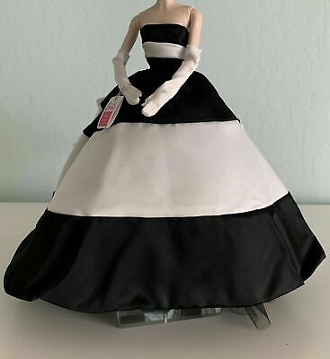 Barbie Silkstone FOREVER BLACK & WHITE Full Out, Box & Stand fit Fashion Royalty
