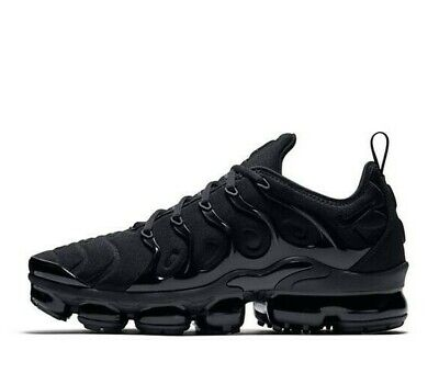 newest 7407d 5ea50 NIKE AIR VAPORMAX Plus Total Black Nere Vm Scarpe Uomo Tn Nuove New Max Tg