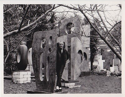 Dame BARBARA HEPWORTH in Her Sculpture Garden *Rare VINTAGE 1970 SCULPTOR photo