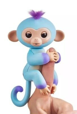 Fingerlings Baby Ava Monkey ToysRUs Exclusive Fingerling Hot Christmas Toy Rare