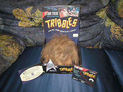 * Tribbles Star Trek TOS Action Figure Electronic Talking 1991 Box Working Raro