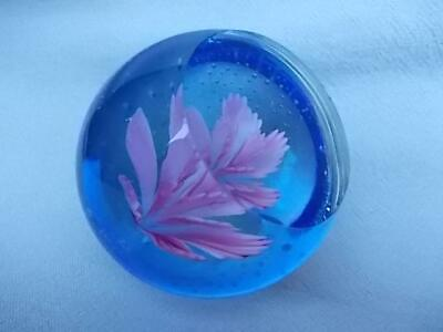 140 / Beautiful Vintage Hand Blown Glass Paperweight With Internal Pink Flower