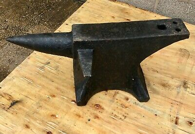 """Blacksmiths Anvil Single Bick With Side Horn 31""""Long 5"""" Face 13"""" High Could Send"""