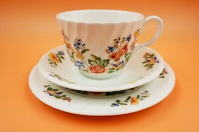 Aynsley China Cottage Garden fluted edge tea cup, saucer & side plate trio.