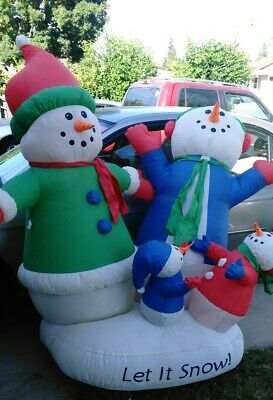 GEMMY AIRBLOWN INFLATABLE Snow Globe Snowman Family 6 Feet Let It