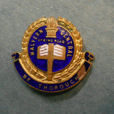 #D247.  Malvern Central, Springwood,  School   Lapel  Badge #178 - Chip At Right