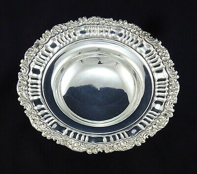 Beautiful Fluted Vintage Scrolling Embossed Fruit Bowl Sweet Dish Silver Plated