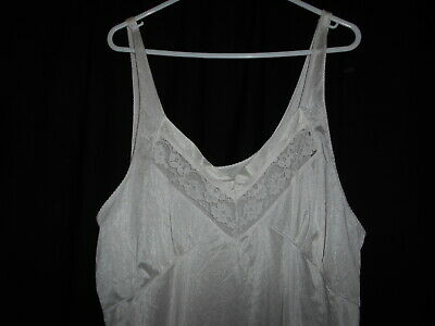 LADIES FULL SLIP PETTICOAT SIZE 20 white  bust 105