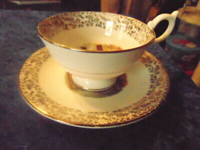 Pair Of Very Pretty Cups Saucers Lovely Jpg