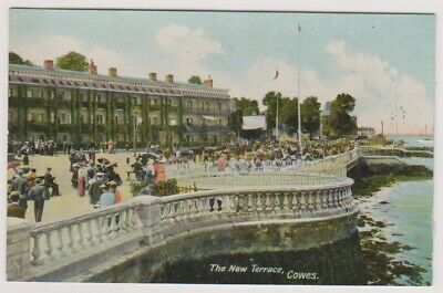 Isle of Wight postcard - The New Terrace, Cowes - (A426)