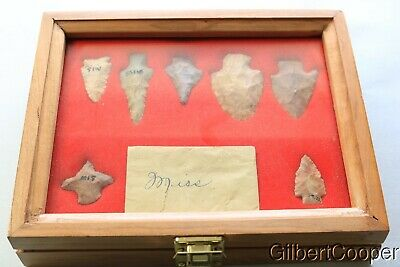 7x9 WOODEN FRAME OF 7 MISSISSIPPI ARROWHEADS