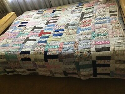 """ANTIQUE QUILT HAND SEWN OHIO PRINT PATCHWORK """"T"""" DESIGN 75' by 72"""" FULL SIZE GC"""