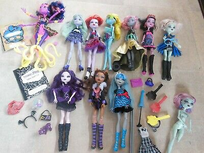 monster high dolls used bundle X 10 inc accessories