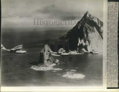 1942 Press Photo Navy Patrol Bombers Search for Japanese Past Cape St. Elias, AK