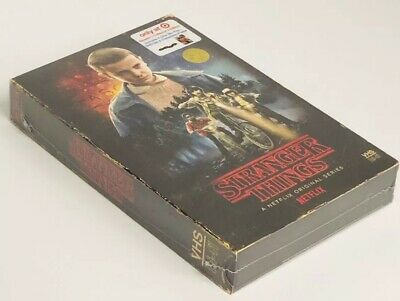 Stranger Things Season 1 Collectors Edition: Target Exc (Blu-ray + DVD + Poster)