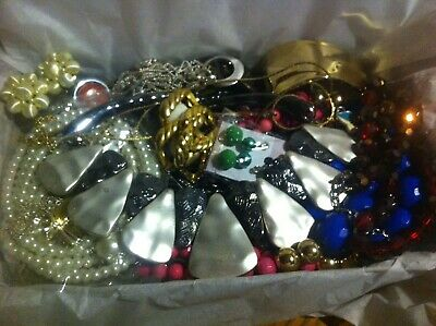 Vintage To Now Estate Find Jewelry Lot Junk Drawer Unsearched Untested Wear #123