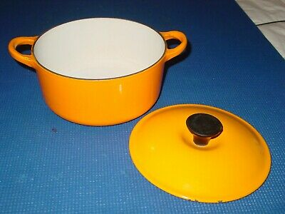 Le Creuset Cast Iron Enamel B 18 Yellow Orange Dutch Oven Round Baking Pan Pot