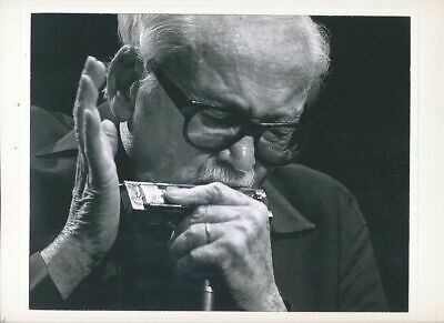 Cpa Pk Ak Artiste Musique Photo Grand Format De Toots Thielemans Et Son Armonica