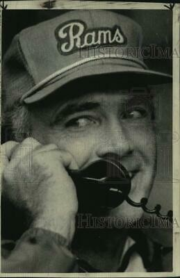 1974 Press Photo Los Angeles Rams Coach Chuck Knox on the Phone - nos19361