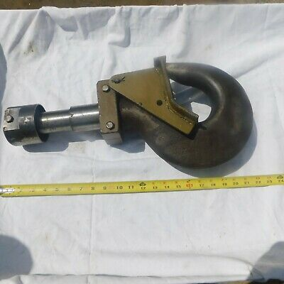 Large Hook with Latch for Crain or Hoist