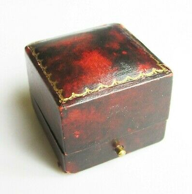 Old antique Victorian /Edwardian ring box perfect for a gift or presentation