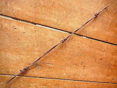 MERRILLS SHORT POINT TWIRL ROUND & FLAT BARBS on TWO LINES - ANTIQUE BARBED WIRE