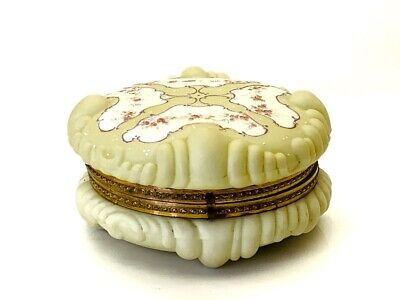 """Wavecrest Art Glass Dresser Box Large 7"""" Hand Painted Pale Yellow Early 20th C"""