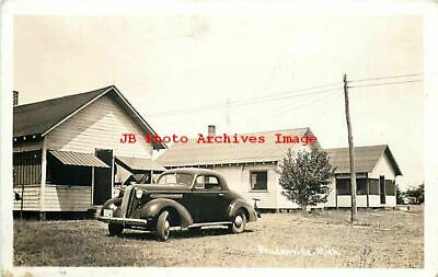 MI, Prudenville, Michigan, RPPC, Houghton Lake Cabins, 30s Cars, Photo