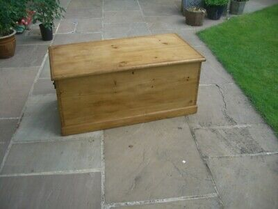 Antique Victorian Vintage Old Pine Chest Wooden Trunk Blanket Box/Coffee table