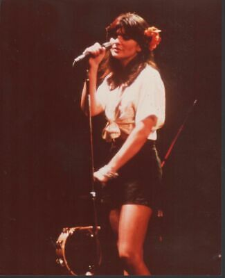 Linda Ronstadt 8x10 color photo