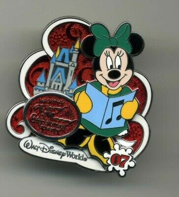 Disney 2007 Mickey's Very Merry Christmas Party Minnie Mouse Caroling Pin Le