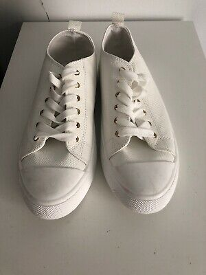 Clothing & Co White Lace Up Sneakers Shoes Size 9 RRP $49.99 AT