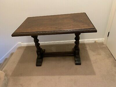 Jacobean hall table in good condition