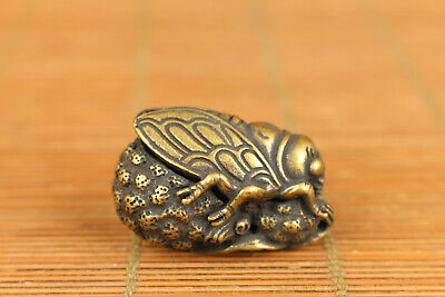 mini Chinese old Bronze hand cicada statue figure hand piece pendant