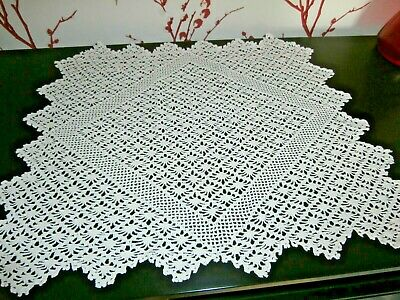 "VINTAGE WHITE COTTON HAND WORKED CROCHET LACE TABLE MAT/DOILY~16"" square."
