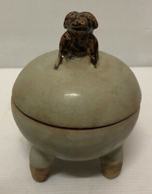 Antique  Celadon Glaze Thai Covered Lime  Bowl : Decorative Animal Finial