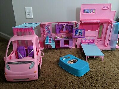 Barbie & Her Sisters In A Pony Tale Fold Up Camper Motor Home RV Mattel  2012.