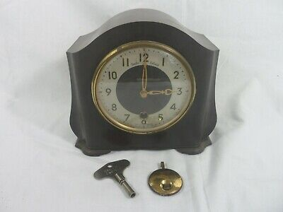 Vintage Smiths Bakelite Pendulum Clock With Key